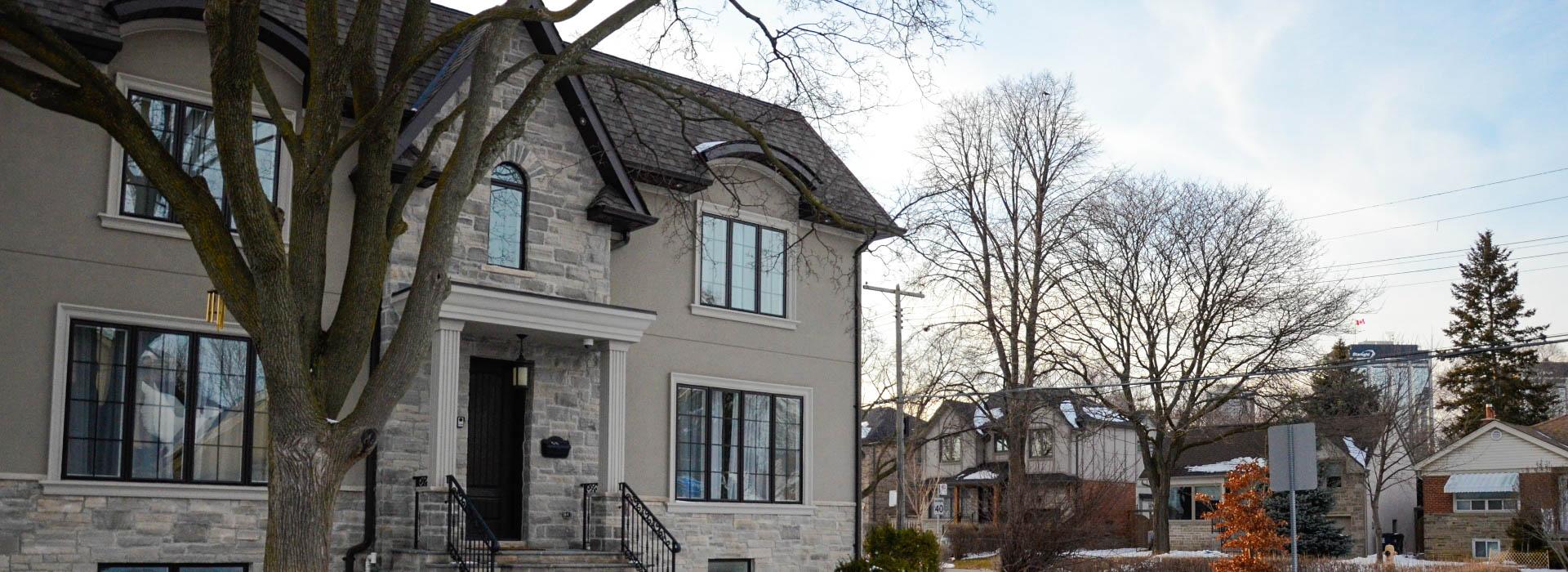 Агент по вопросу недвижимости  в Торонто которому доверяют