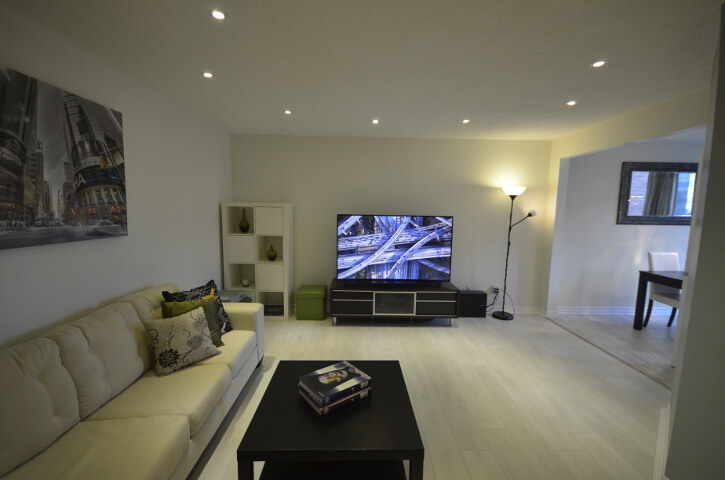 2 комнатная квартира в районе Finch and Yonge